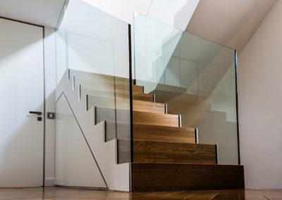 Neubau Dachgeschoss Treppe Modern